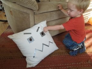 angry pillow Trendingus